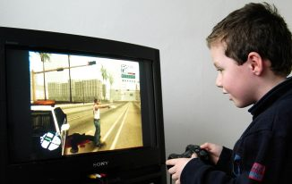 Tips for Parents Struggling With Children Addicted to Computer Games